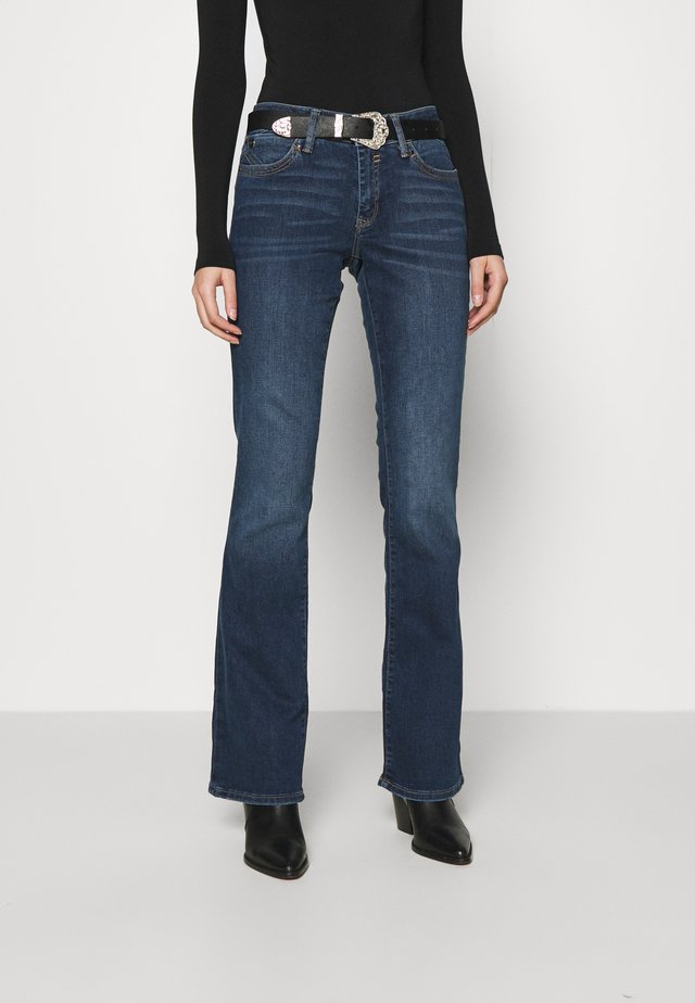BELLA - Jean bootcut - mid shaded glam