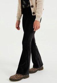WE Fashion - Pantaloni - black - 1