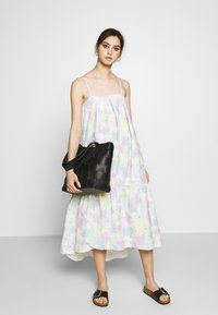 Who What Wear - THE TRAPEZE DRESS - Kjole - off-white - 1