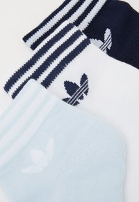 adidas Originals - 3 PACK - Socks - white/light blue/navy - 1
