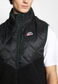 Nike Sportswear - Waistcoat - black/black/pro green - 5