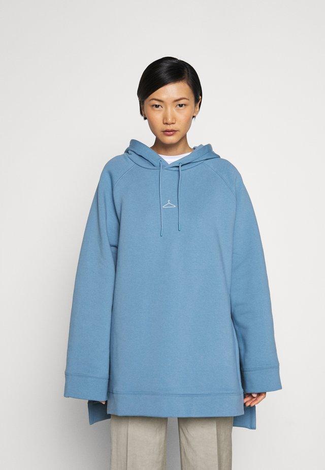 SISSEL - Kapuzenpullover - blue