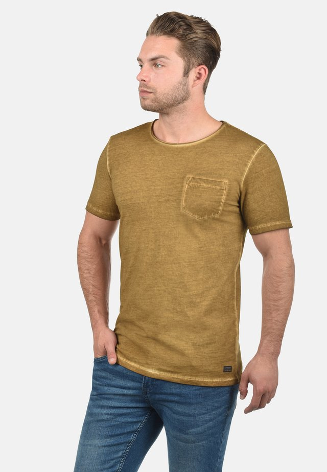 RUNDHALSSHIRT PANCHO - T-shirt basique - gold