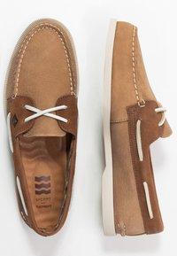 Sperry - A/O 2-EYE PLUSH - Boat shoes - tan/brown - 1