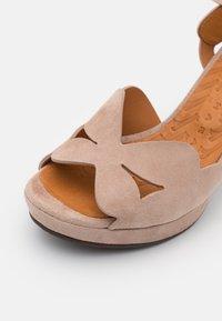 Chie Mihara - EDANA - Sandalen met hoge hak - peach/ada powder - 6