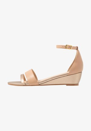 LEATHER WEDGES - Wedge sandals - nude