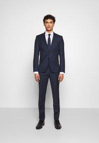 HUGO - HESTEN - Pantaloni eleganti - dark blue - 1