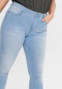 ONLY Carmakoma - Jeans Skinny Fit - light blue - 3