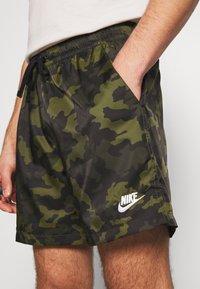 Nike Sportswear - FLOW  - Shorts - legion green/black/treeline - 5