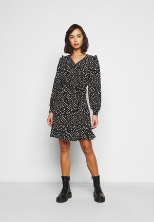 ONLSANDY SHORT DRESS PETIT - Day dress - black/white