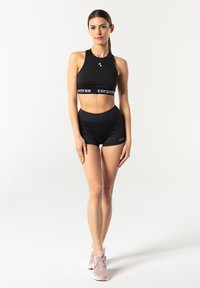 carpatree - CLASSIC SHORTS - Pantalón corto de deporte - black - 1