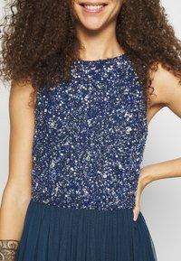 Lace & Beads Petite - PICASSO - Společenské šaty - navy - 5
