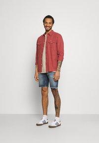 Redefined Rebel - RROSAKA - Denim shorts - blue denim - 1
