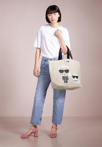KARL LAGERFELD - IKONIK  - Shopping Bag - white - 1