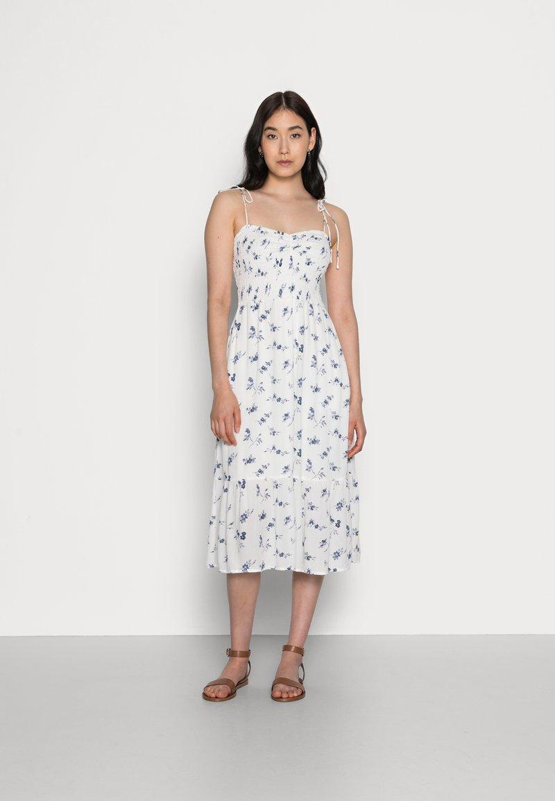 Abercrombie & Fitch - SMOCKED BODICE MIDI DRESS - Vestito estivo - white floral