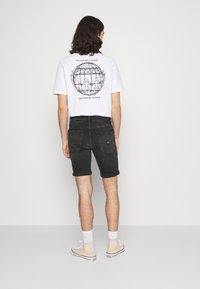 Tommy Jeans - SCANTON - Jeansshorts - kansas black comfort - 2