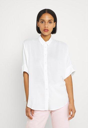 LUCA BLOUSE - Skjortebluser - white light