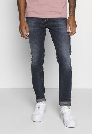 D-LUSTER - Slim fit jeans - 009em
