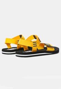 The North Face - M SKEENA SANDAL - Walking sandals - summit gold tnf black - 1