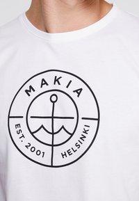 Makia - SCOPE - T-shirt imprimé - white - 4