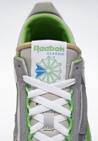 Reebok Classic - CLASSIC LEGACY SHOES - Baskets basses - grey - 8
