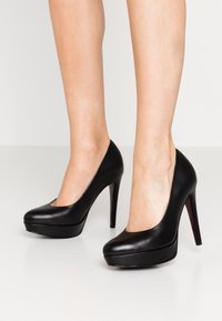 Tamaris Heart & Sole - COURT SHOE - Høye hæler - black - 0