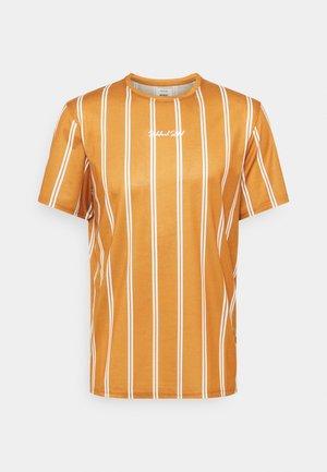 JETT TEE UNISEX - T-shirt med print - inca gold