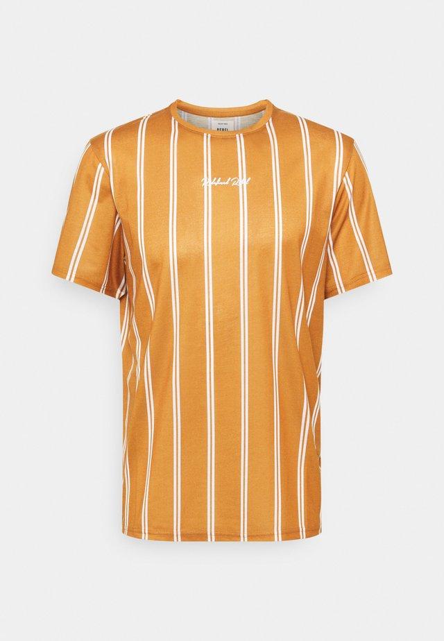 JETT TEE UNISEX - T-shirts med print - inca gold