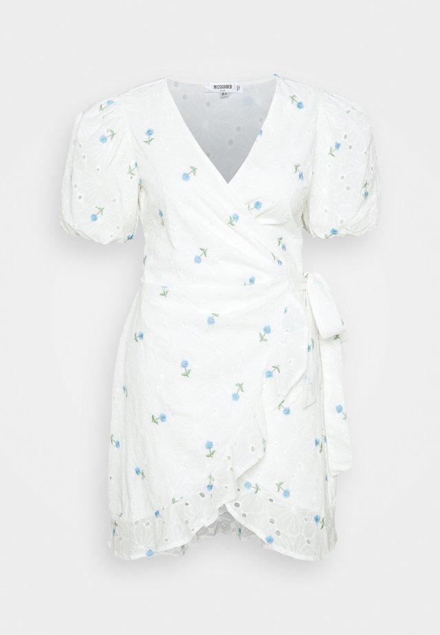 FLORAL BRODERIE PUFF MINI - Vapaa-ajan mekko - white