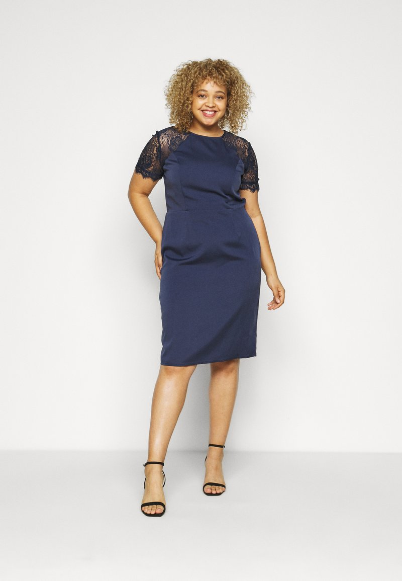 Chi Chi London Curvy - ARMILLA DRESS - Robe de soirée - navy