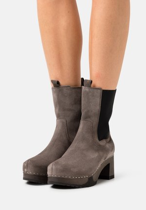 HELENA - Platform ankle boots - taupe