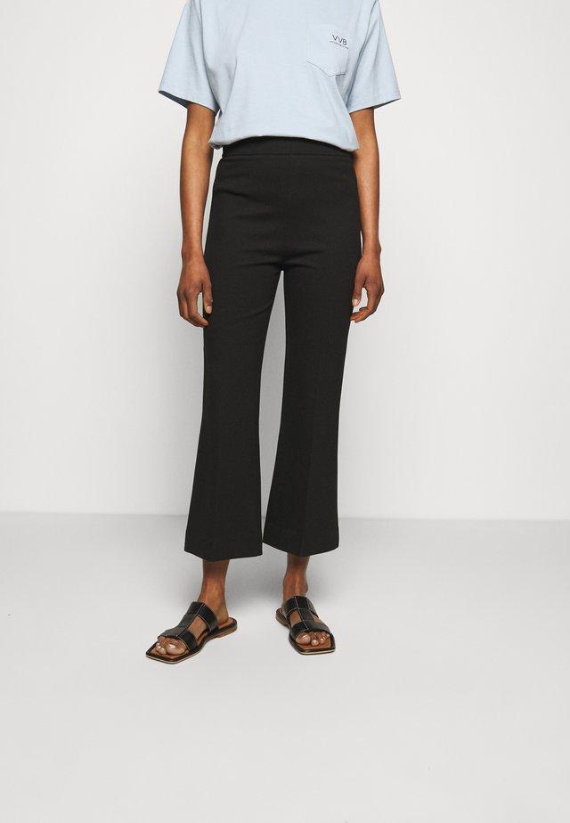 PONTI KICK FLARE TROUSER - Spodnie treningowe - black
