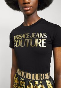 Versace Jeans Couture - LADY - Triko spotiskem - black/gold - 5