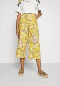 Desigual - PANT LUCAS - Pantalon classique - yellow - 0