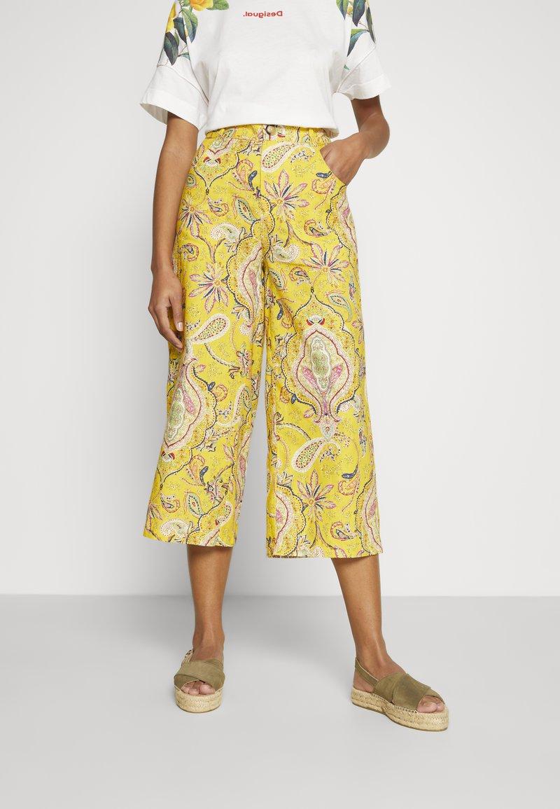 Desigual - PANT LUCAS - Pantalon classique - yellow