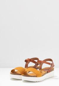 Grand Step Shoes - EDEN - Platform sandals - whiskey/sun - 4