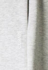 Curare Yogawear - SHORTS - Sports shorts - lightgrey melange - 6