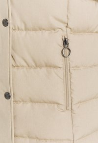 ONLY Tall - ONLLUNA QUILTED - Winter jacket - humus - 4