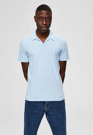 SELECTED HOMME POLOSHIRT REGULAR FIT - Poloshirt - cashmere blue