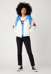 Wrangler - RAINBOW PUFFER - Winter jacket - worn white - 1