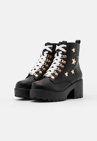 Koi Footwear - VEGAN - Kotníkové boty na platformě - black/gold - 1