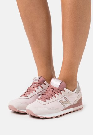 WL515 - Sneakers - conch shell