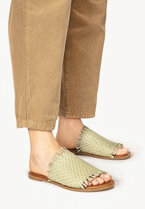 INUOVO - Mules - olive