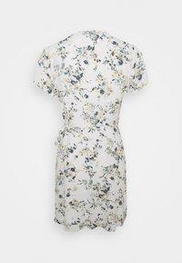 Abercrombie & Fitch - RUFFLE WRAP DRESS  - Kjole - white - 6