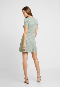 Envii - ENMUSIC DRESS - Jersey dress - light green/black - 3