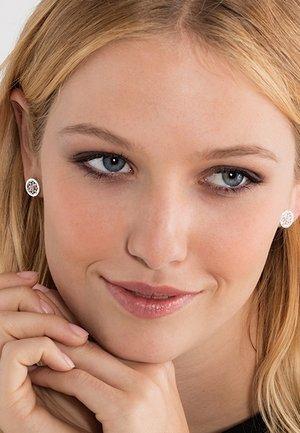 LOTUS BLÜTE ORNAMENTIK - Earrings - silver-coloured/white