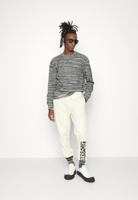 Missoni - CREWNECK  - Sweatshirt - felpa fiammata nero bianco - 1