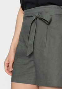 Re.draft - Shorts - olive khaki - 3