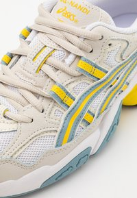 ASICS SportStyle - GEL-NANDI UNISEX - Zapatillas - white/light steel - 5