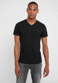JOOP! - 2 PACK - Basic T-shirt - black - 1